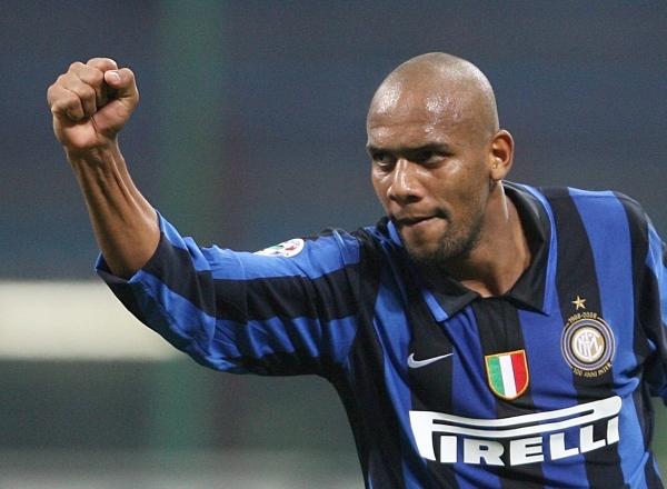 Maicon, celebrando un gol con el Inter
