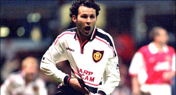 Ryan Giggs celebra el gol que dio el pase al Man. United frente al Arsenal en el partido de Replay de la semifinal de FA Cup de 1999