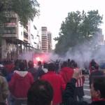 La afición del Atlético de Madrid bajando hacia el estadio Santiago Bernabéu por el Paseo de la Castellana