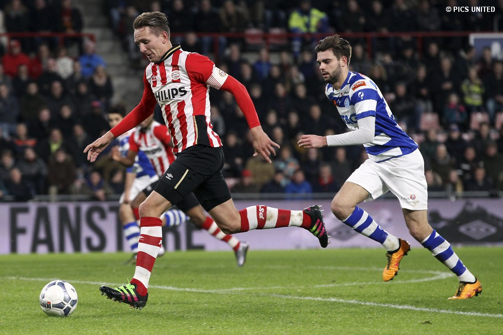 Onderwerp/Subject: PSV - De Graafschap - Eredivisie<br /> Reklame:<br /> Club/Team/Country:<br /> Seizoen/Season: 2015/2016<br /> FOTO/PHOTO: Luuk DE JONG (L) of PSV in duel with Robin PROPPER (R) of De Graafschap. (Photo by PICS UNITED)<br /> Trefwoorden/Keywords:<br /> #04 $69 ±1434204773064<br /> Photo- & Copyrights © PICS UNITED<br /> P.O. Box 7164 - 5605 BE EINDHOVEN (THE NETHERLANDS)<br /> Phone +31 (0)40 296 28 00<br /> Fax +31 (0) 40 248 47 43<br /> http://www.pics-united.com<br /> e-mail : sales@pics-united.com (If you would like to raise any issues regarding any aspects of products / service of PICS UNITED) or<br /> e-mail : sales@pics-united.com<br /> ATTENTIE:<br /> Publicatie ook bij aanbieding door derden is slechts toegestaan na verkregen toestemming van Pics United.<br /> VOLLEDIGE NAAMSVERMELDING IS VERPLICHT! (© PICS UNITED/Naam Fotograaf, zie veld 4 van de bestandsinfo 'credits')<br /> ATTENTION:<br /> © Pics United. Reproduction/publication of this photo by any parties is only permitted after authorisation is sought and obtained from PICS UNITED- THE NETHERLANDS